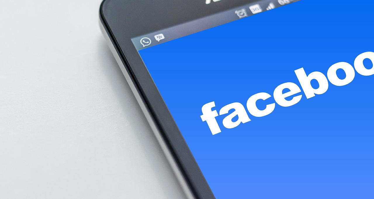 4 Ways to Improve Your Facebook Feed to Fill Your Classrooms